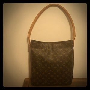 Authentic Louis Vuitton Looping shoulder bag GM